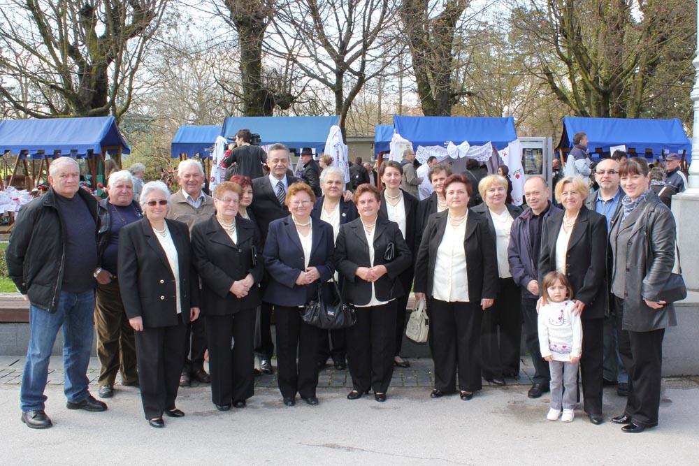 """Udruga žena Glogovac i zbor UPK Vlado Dolenec na manifestaciji """"Tradicija naših starih"""""""