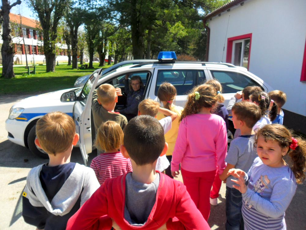 Policajke u skupini predškole