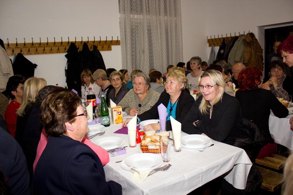 Udruge žena Bregi i Glogovac na martinjskom druženju u Rasinji
