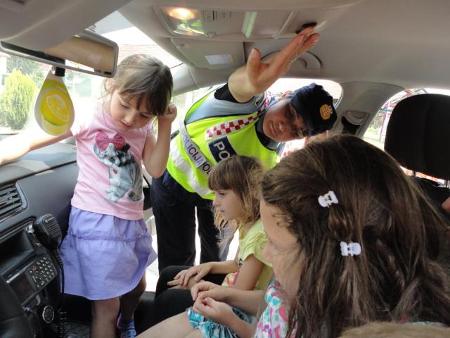 Policajka posjetila Potočiće