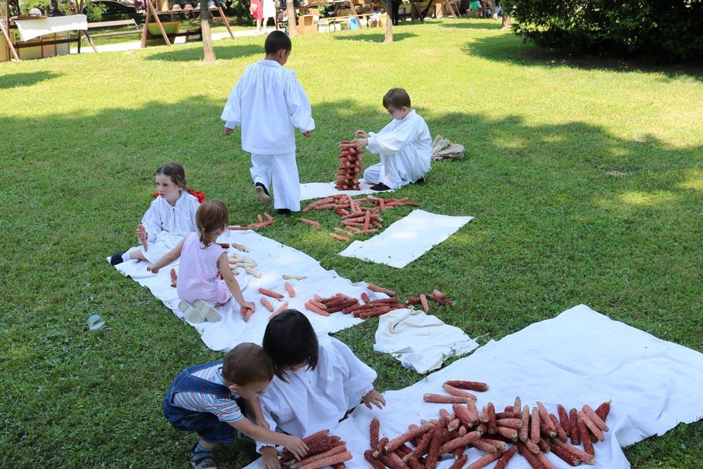 Dječja folklorna grupa KUD-a Rudar i tamburaški sastav sudjelovali na 22. Podravskim motivima
