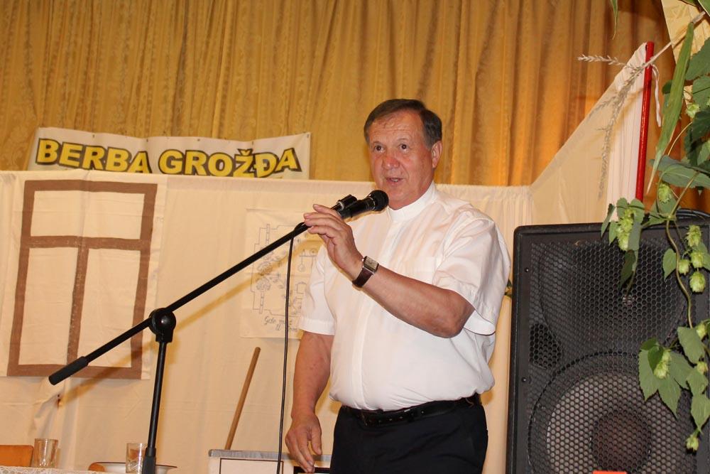 "Održana manifestacija ""Berba grožđa u Glogovcu"""