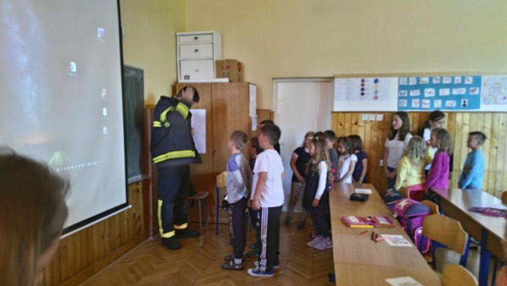 Vatrogasna edukacija – učenici 1. razreda upoznati s vatrogasnom preventivom