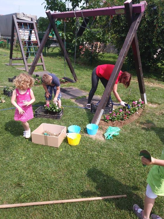Komunalac donirao cvijeće Potočiću