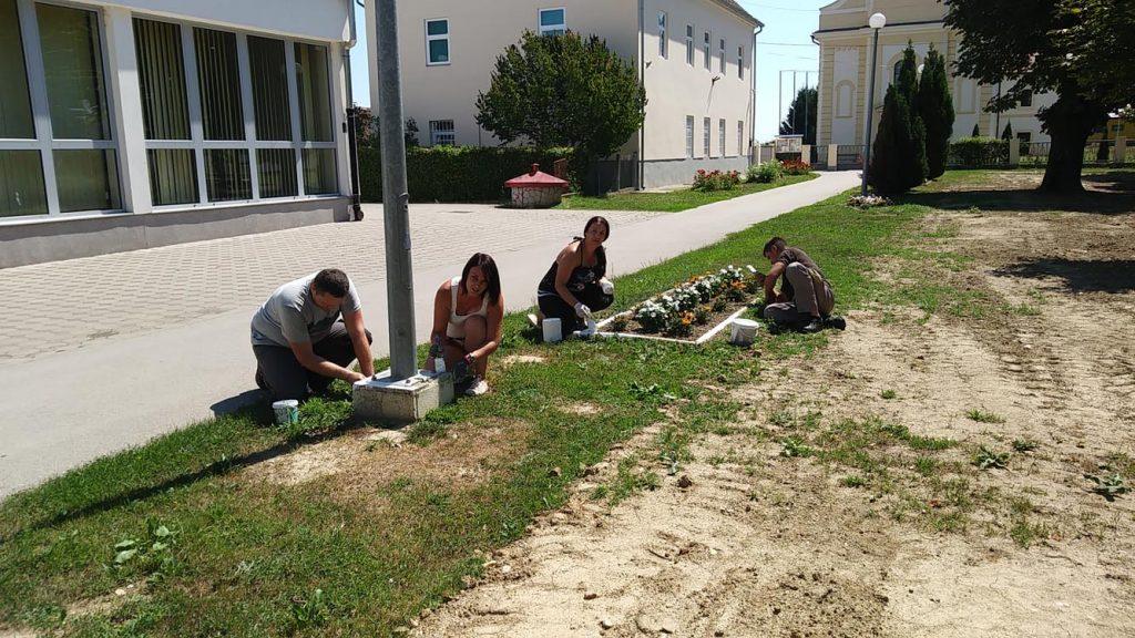 Zajedničkom suradnjom uređene cvjetne površine