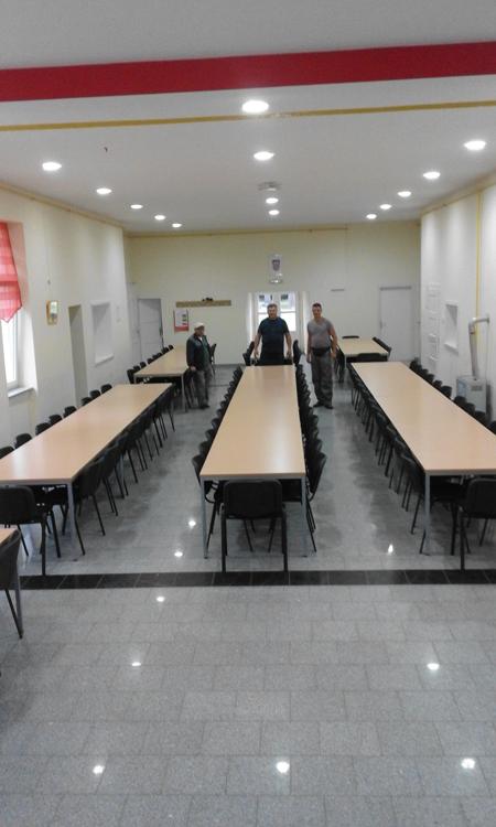 Novi stolovi u Vatrogasnom domu u Koprivničkim Bregima