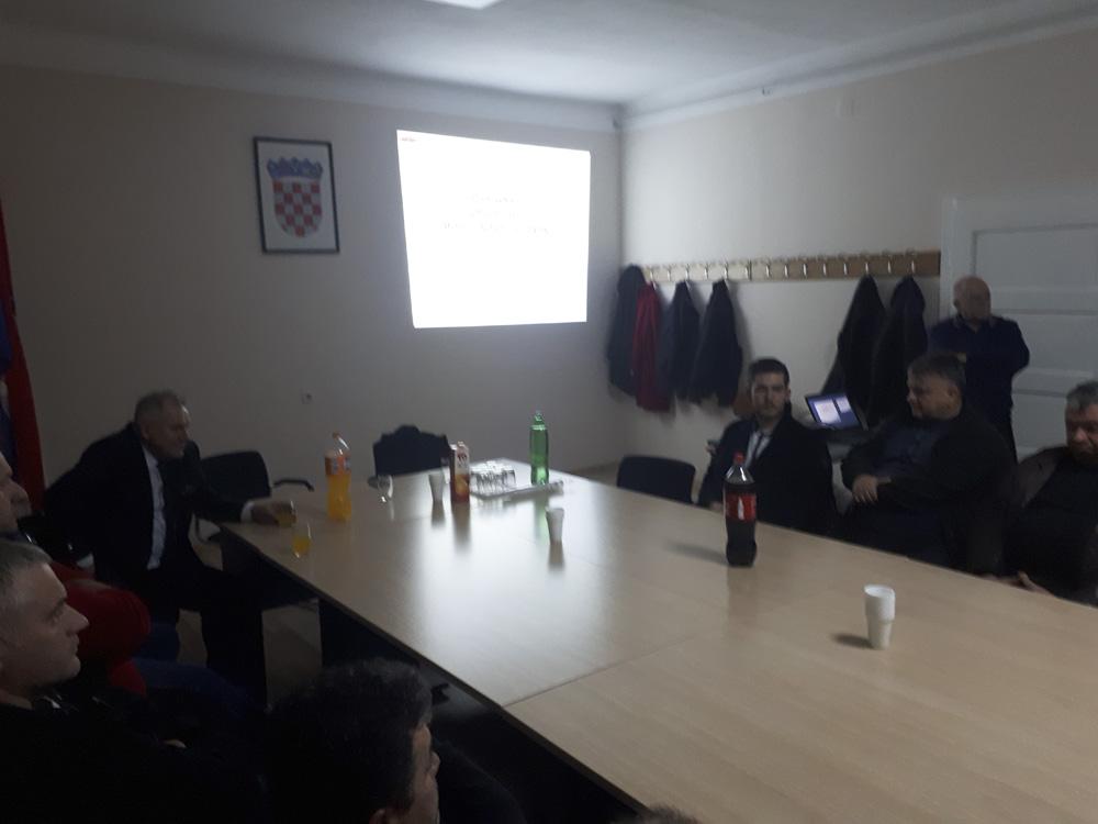 Održan sastanak predstavnika Sektora poljoprivrede Podravke i OPG-ova s područja općine Koprivnički Bregi o budućoj suradnji