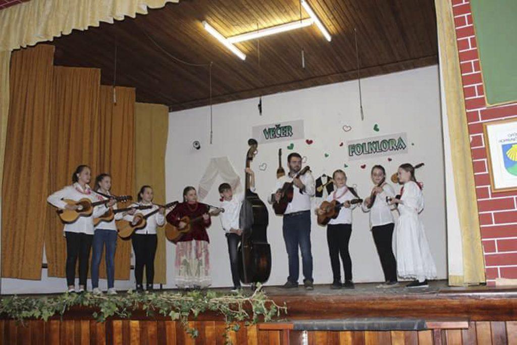 Večer folklora u Glogovcu