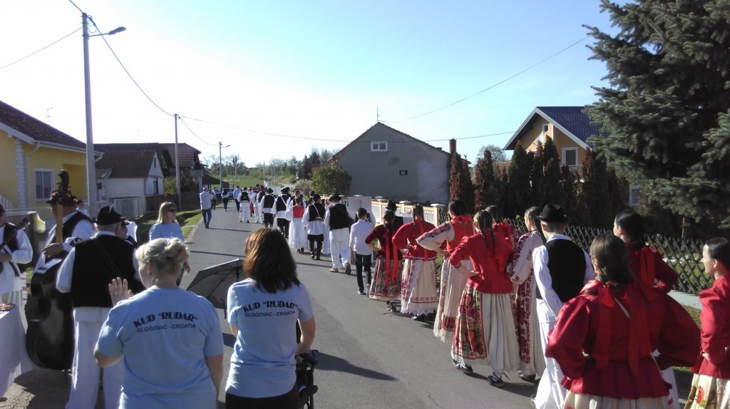 Članice Udruge žena Glogovac dočekale folkloraše