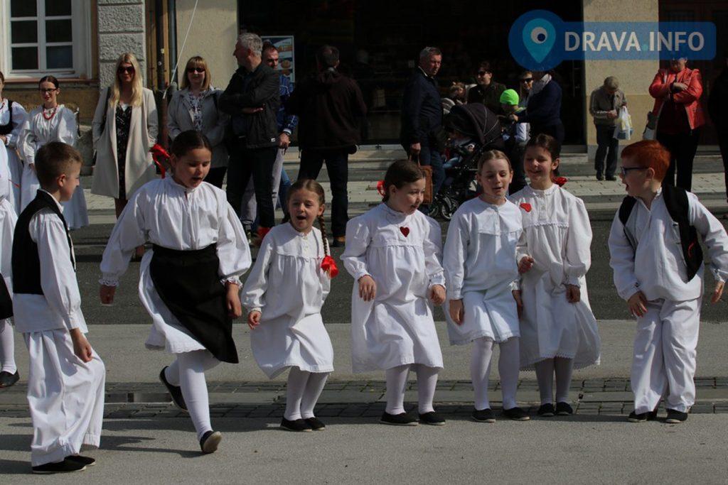 """""""Rudari"""" sudjelovali na manifestaciji """"Tradicija naših starih"""""""