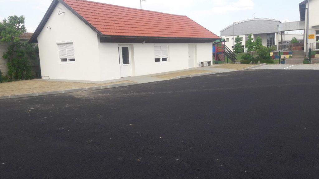 Završeno uređenje prostora iza zgrade općine u Koprivničkim Bregima