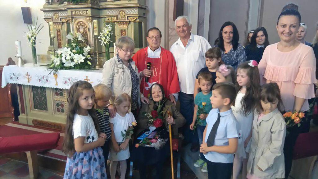 Proslavljen Majčin dan i 104. rođendan najstarijoj mami i baki u Podravini