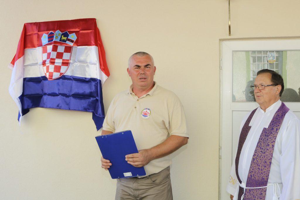 Otkrivena spomen ploča na spomen svim hrvatskim braniteljima