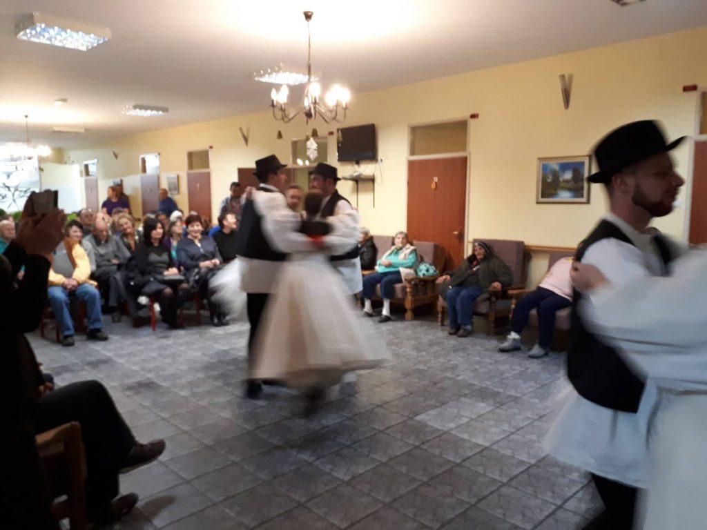 """Nastavljajući tradiciju  """"Rudari"""" posjetili  korisnike  Doma Vizjak i uljepšali im blagdane"""
