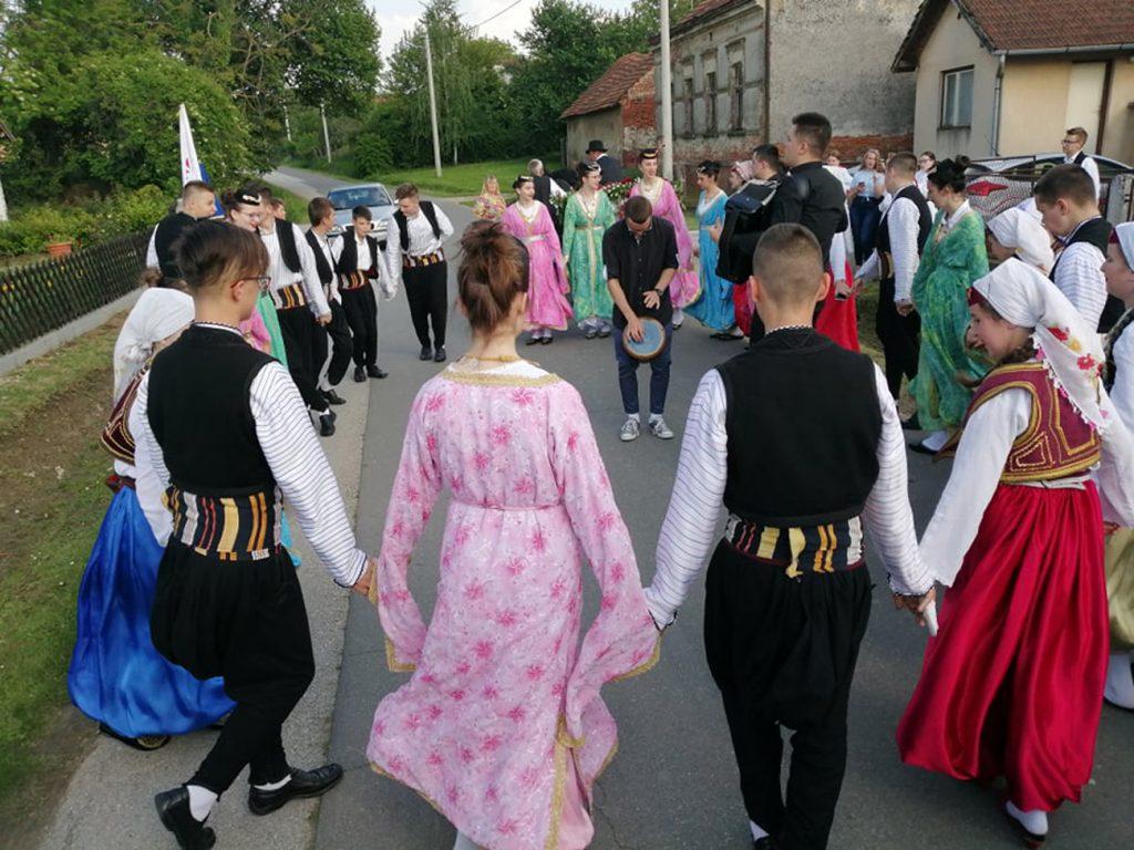 Udruga žena Glogovac dočekala folkloraše