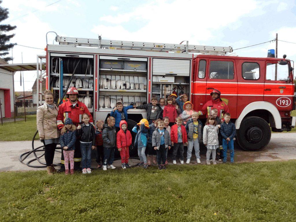 Potočići u posjetu vatrogascima