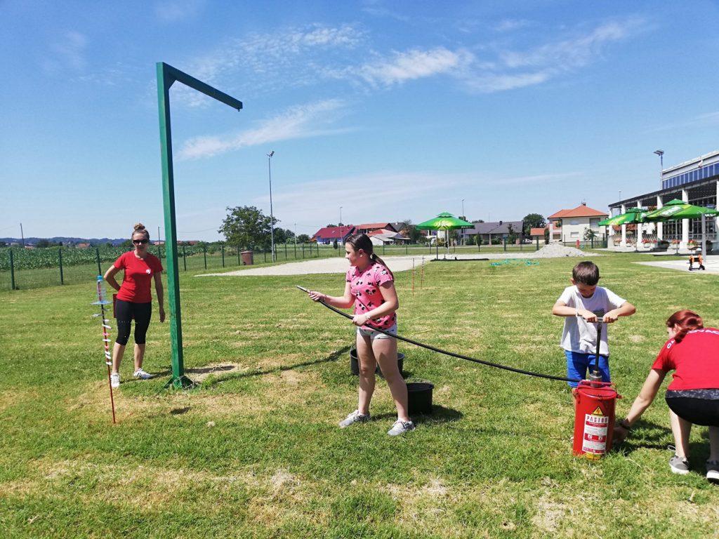 Članice DVD-a Glogovac održale vatrogasne igre u sklopu Ljetnog kampa na koprivničkim bazenima
