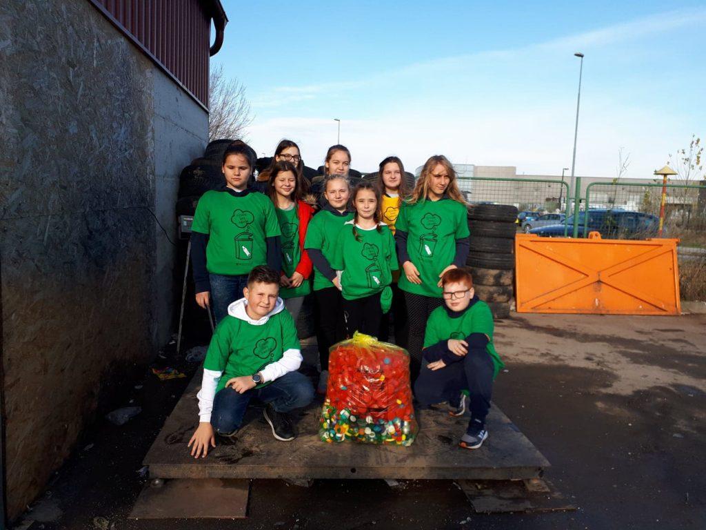 Mali folkloraši iz Glogovca sakupili 50 kg plastičnih čepova i  pozivaju sve mještane općine da se uključe u ovu humanitarnu akciju