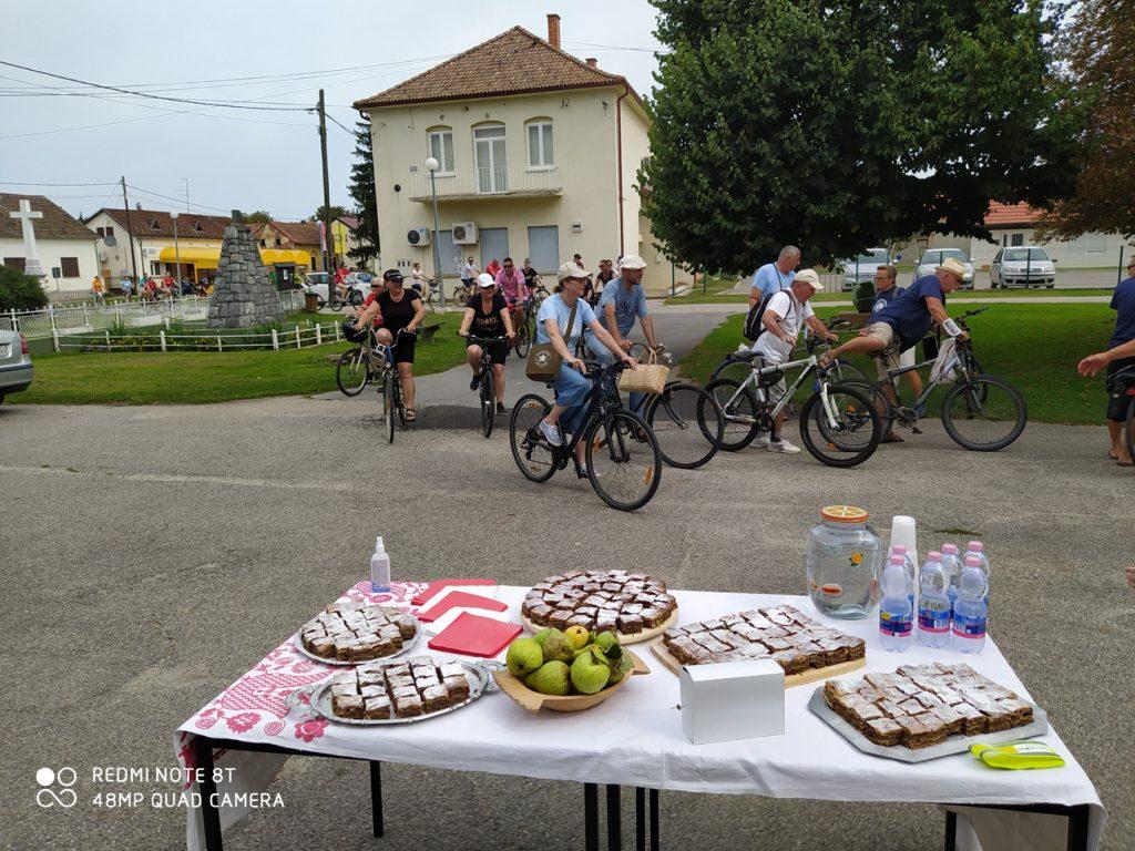 """Z biciklinom na selo""  uz bregofsku pitu!"