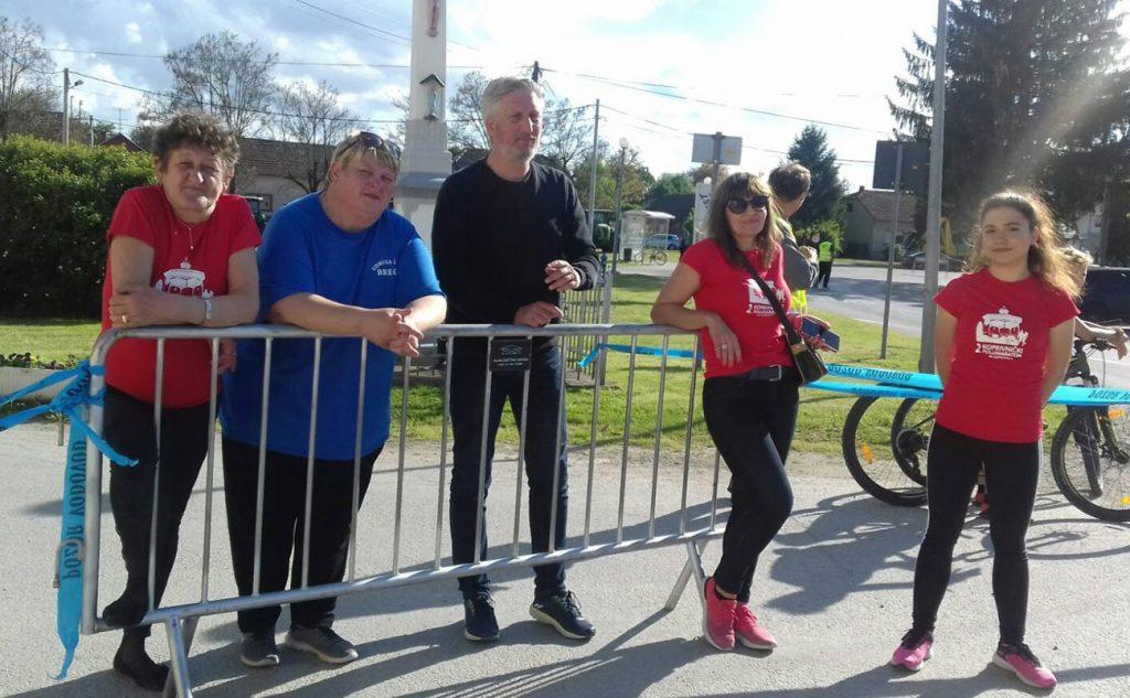 Udruga žena Bregi dočekala trkače 2.Koprivničkog polumaratona